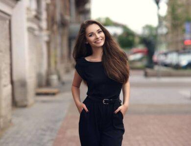 Conseils pour bien porter une robe noire en été